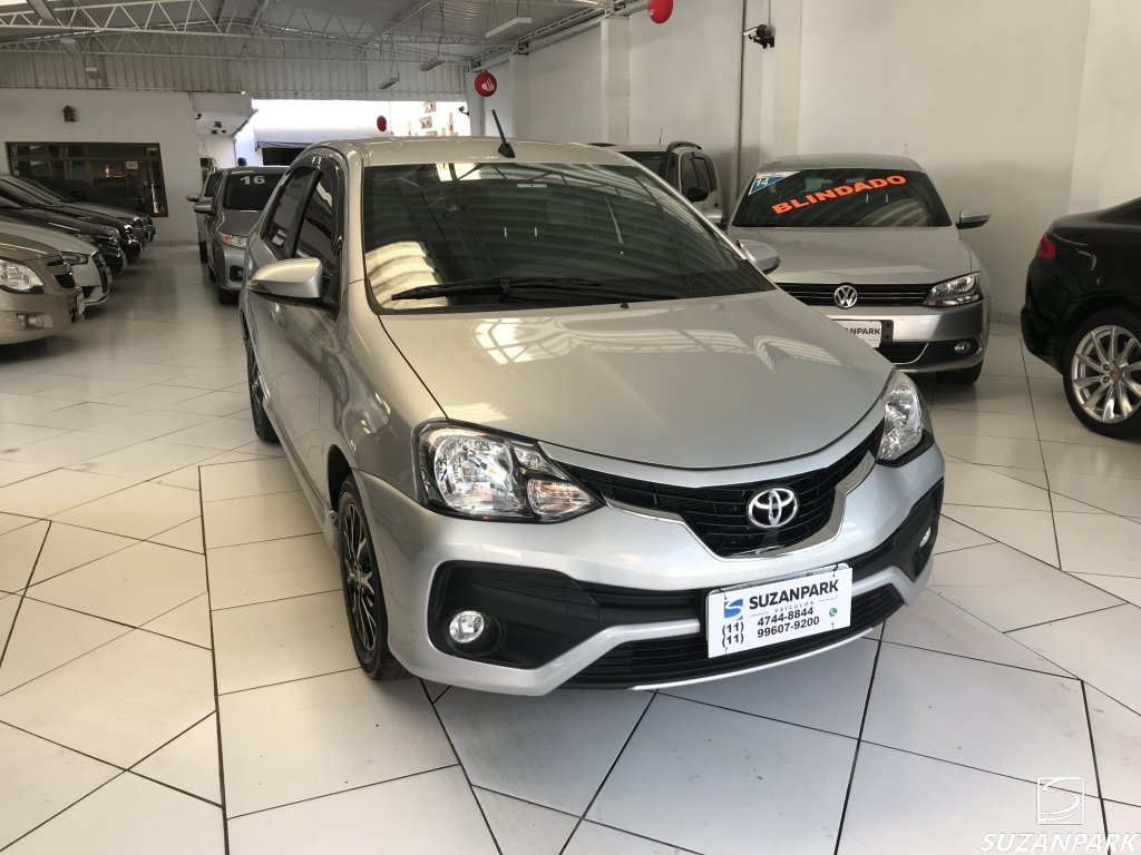 TOYOTA ETIOS SEDAN PLATINUM 1.5 AT